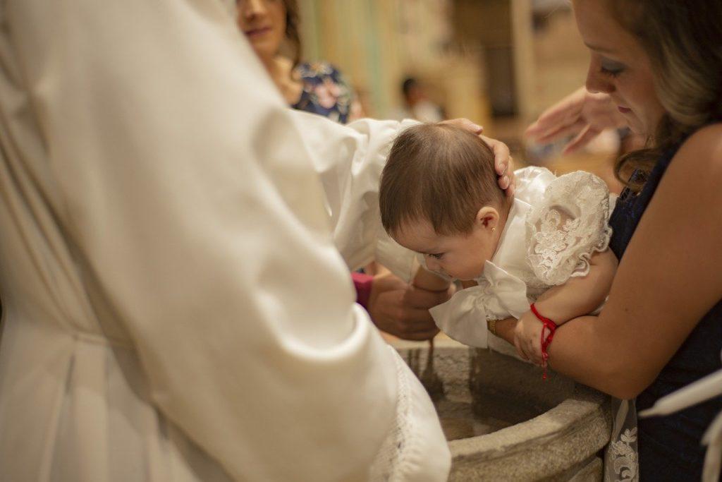 Was schenkt man als Taufpate am besten? Geschenkideen zur